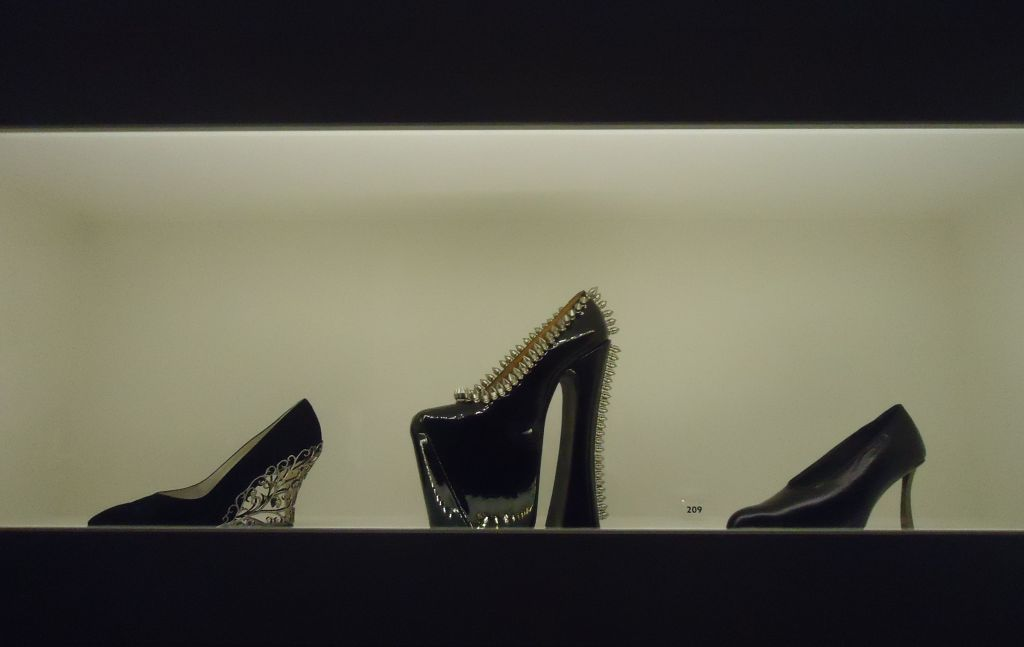Sexy Heels or Easy Sandals in de Kunsthal in Rotterdam