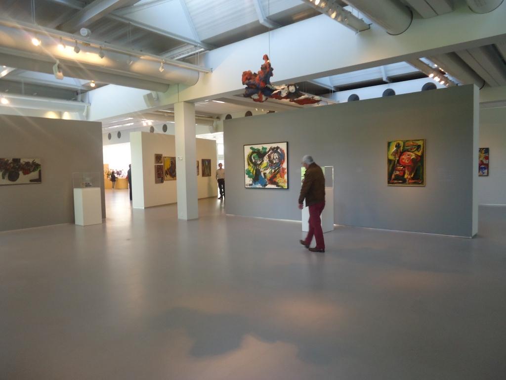 Zaalzicht Tussen Spanning en Abstractie