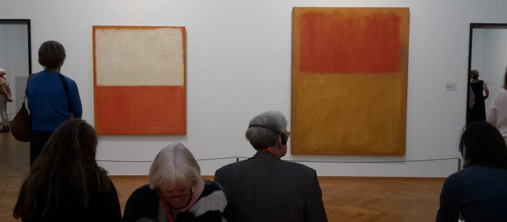 Zaalzicht Mark Rothko in Gemeentemuseum Den Haag
